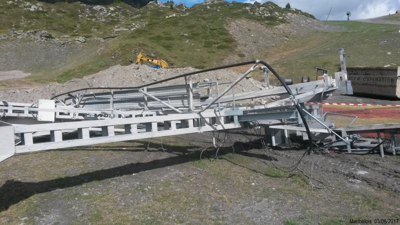 Construction du télésiège débrayable 6 places (TSD6) Roc de Tougne 71392720170603104352