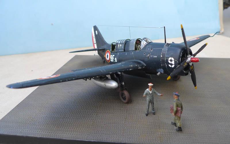 """[Academy] Curtiss SB2C-5 """"Helldiver"""" en Indochine 717943Helldiver73"""