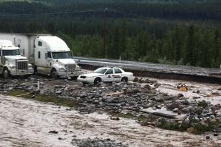 Innondation, alberta, canada 71999431canmore