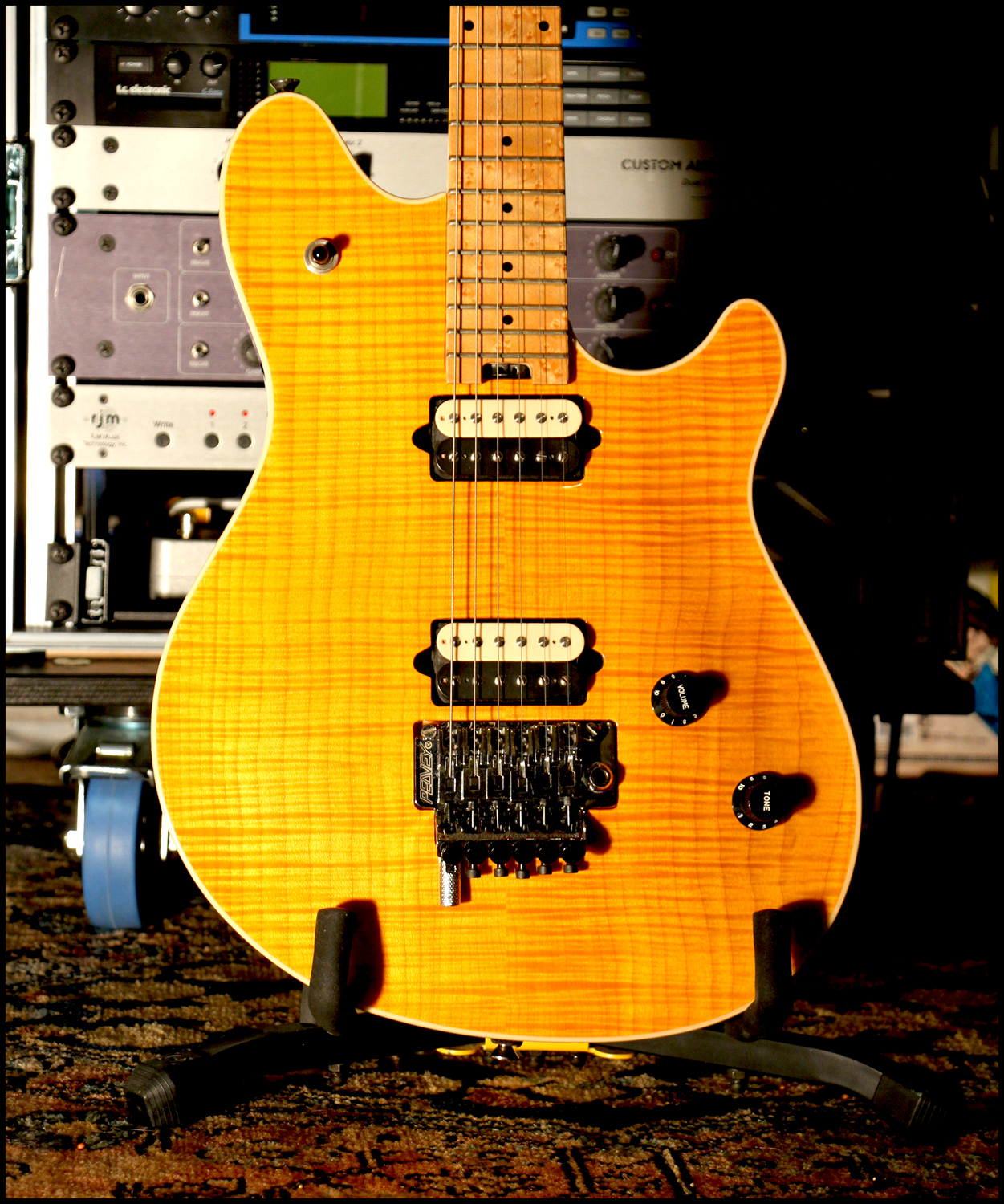 """Peavey Wolfgang Archtop Amber """"Tiger"""" 72238669p4"""