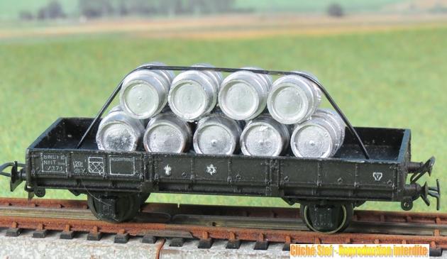Wagons à 2 essieux zamak à essieux chargés 723151VBplat2esszamakfutsaluIMG3356