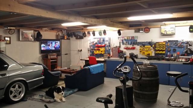 Mon garage pour 1/10 et 1/1 - Page 2 72348020150206174939
