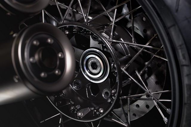 BMW Motorrad : accessoires « Machined » pour les BMW R NineT. 723975P90245883highResbmwrninetxroland