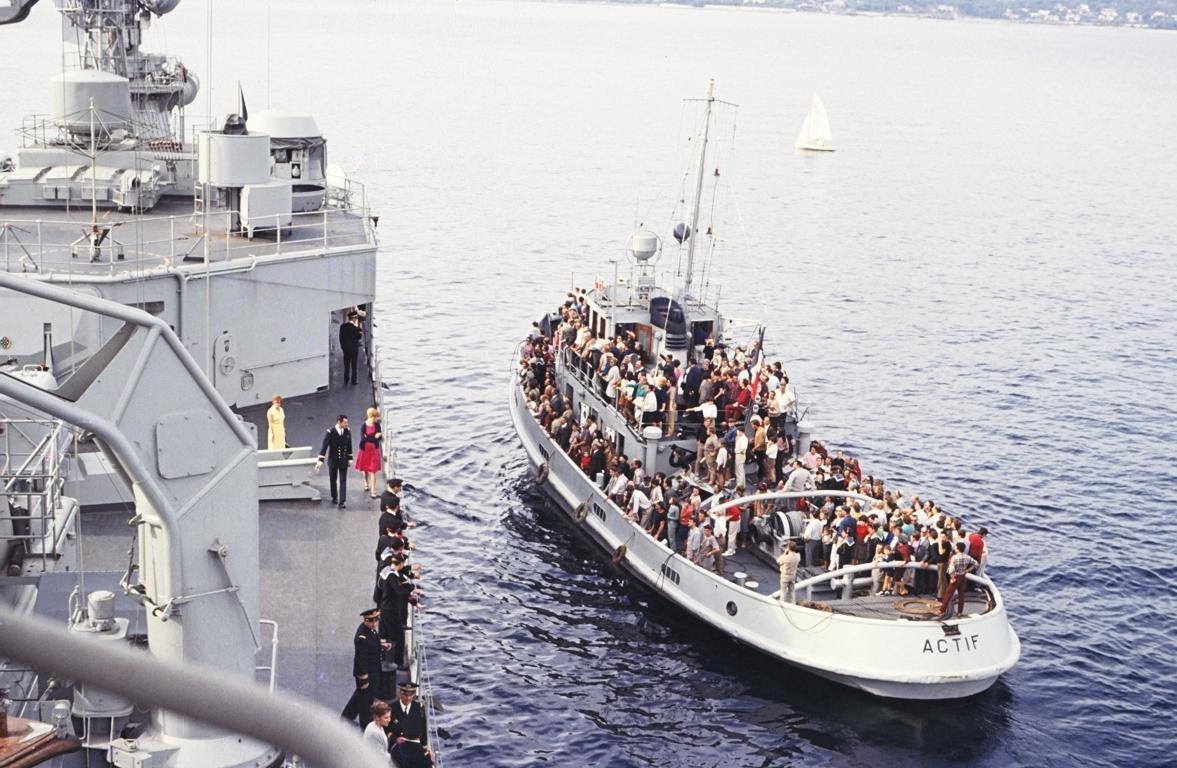 [Les traditions dans la Marine] Les Villes Marraines - Page 6 72410365790050FILEminimizer
