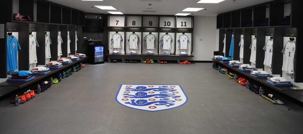L'équipe national d'Angleterre. 724455englishmanrcscthreelions