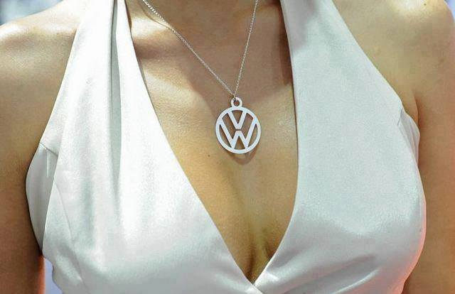 Volkswagen et ses donzelles ... - Page 37 7273841689713222016047987714198043916n
