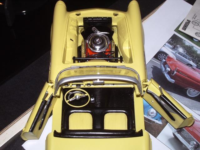 ford thunderbird 1955 au 1/16 de chez amt  730374018