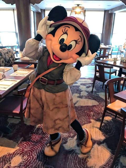 Nouveaux hôtels à Hong Kong Disneyland Resort (2017) - Page 4 730816w463MrB