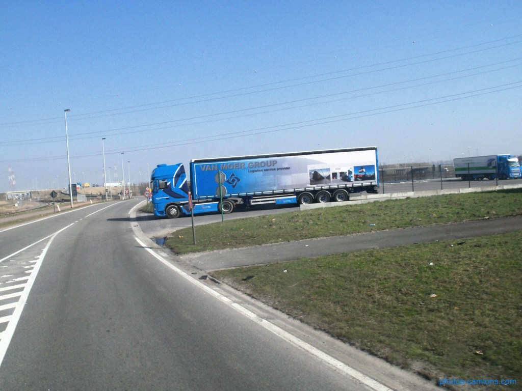 Van Moer Transport  (Zwijndrecht) - Page 2 731218photoscamions17mars201261Copier