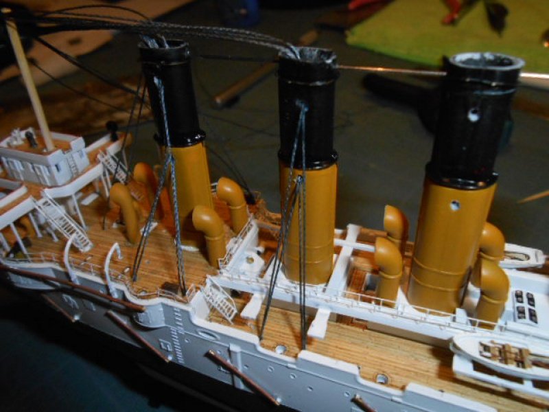 "Croiseur  Russe ""VARYAG"" Zvezda 1/350 pont en bois / PE  - Page 2 732223003"
