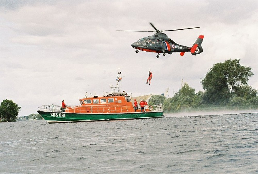 [ Aéronavale divers ] Hélicoptère DAUPHIN - Page 3 73424700002010