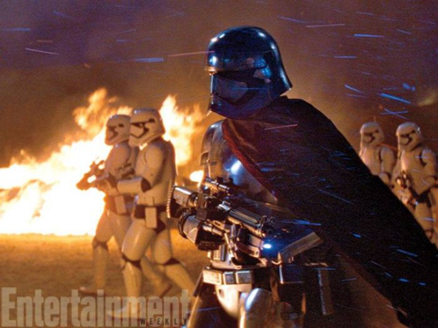 [Lucasfilm] Star Wars : Le Réveil de la Force (2015) - Page 6 736474w37