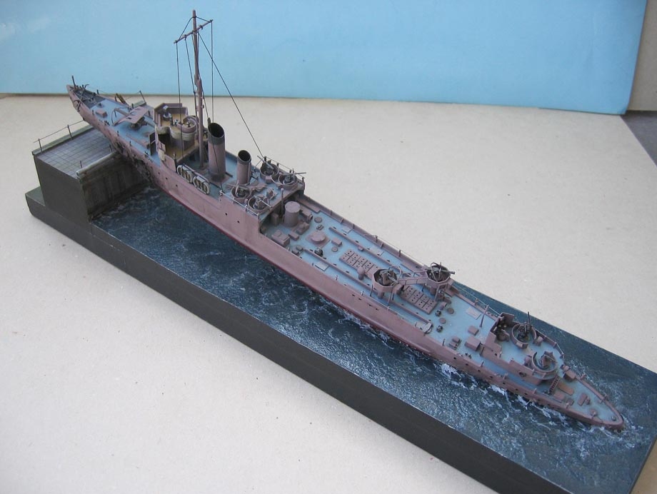 [Revell] Destroyer HMS Campbeltown - 1/240. 738181Campbel46