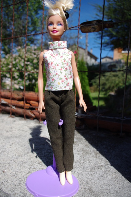 Couture et miniatures pour barbies, MH, muses!^^ 741391IMGP2903