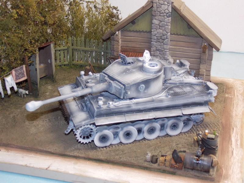 TIGRE S33  avant la bataille de Koursk juillet 43 (Dragon 1/35 dio DIODUMP) - Page 4 741650DSCN4634