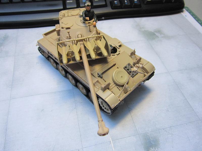 AMX 13 SS 11  Heller au 1/35 742170IMG0516800x600