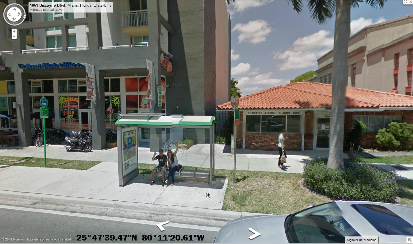 STREET VIEW : un coucou à la Google car  - Page 27 744500Bonjour4