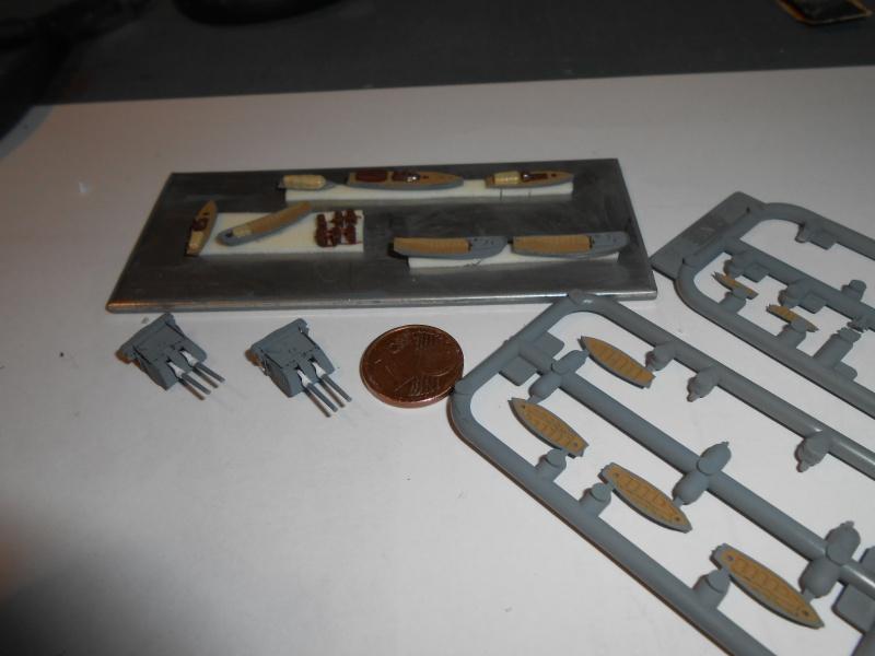 Kaga/Tenryu 1932 1/700 PE/Ponts en bois+Babioles - Page 3 746323DSCN7133