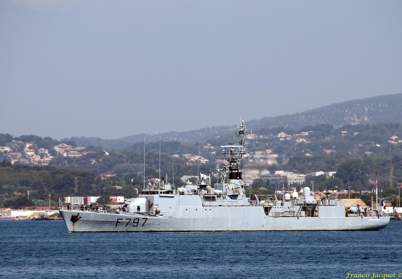 [LES PORTS MILITAIRES DE MÉTROPOLE] Mouvements de Bâtiments dans la rade de Toulon - Page 13 746467637