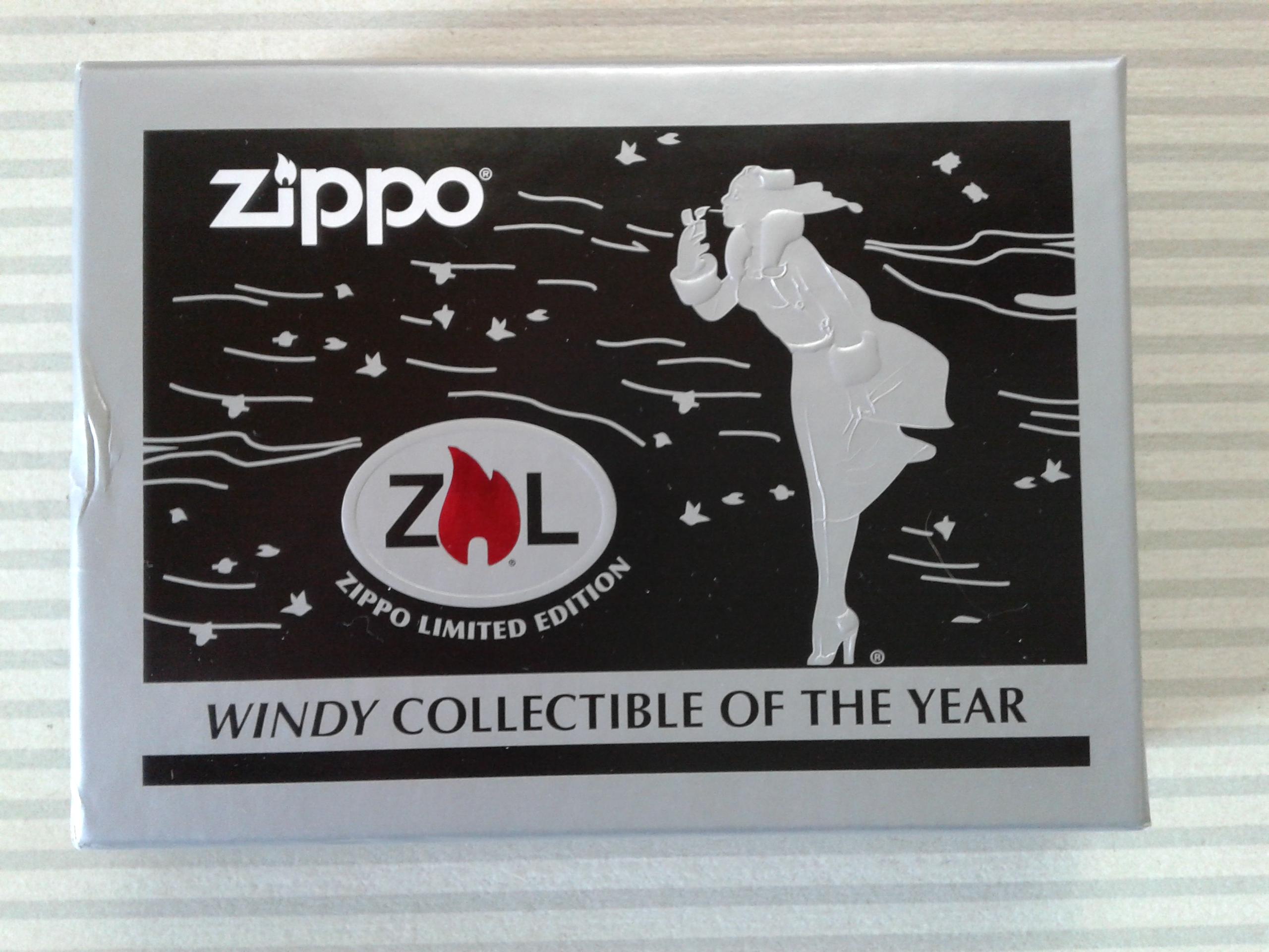Les boites Zippo au fil du temps - Page 3 748053WindyCOTY20132