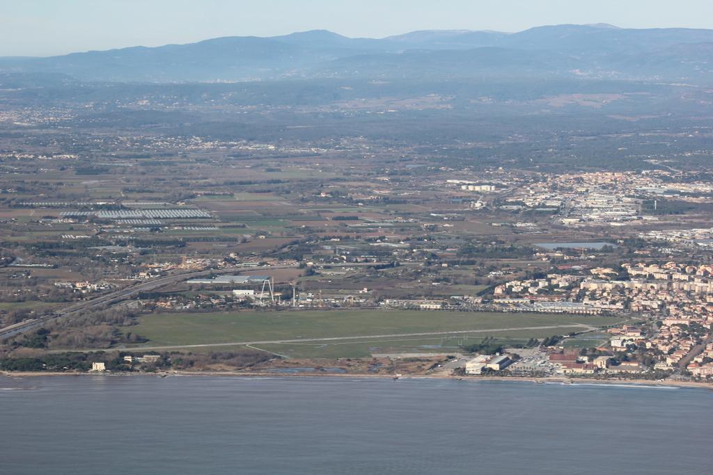 VOL en Robinson R44 autour de LFMD Cannes-Mandelieu 750611IMG7203