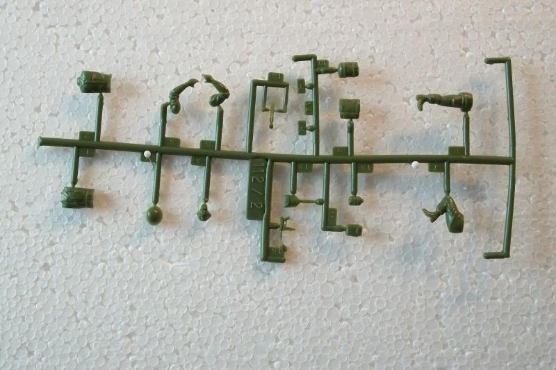 Groupe de Combat Français (réf.112) Mission d'Assaut 1/35 750645Heller112135005GroupedeCombatFranceMissiondAssaut