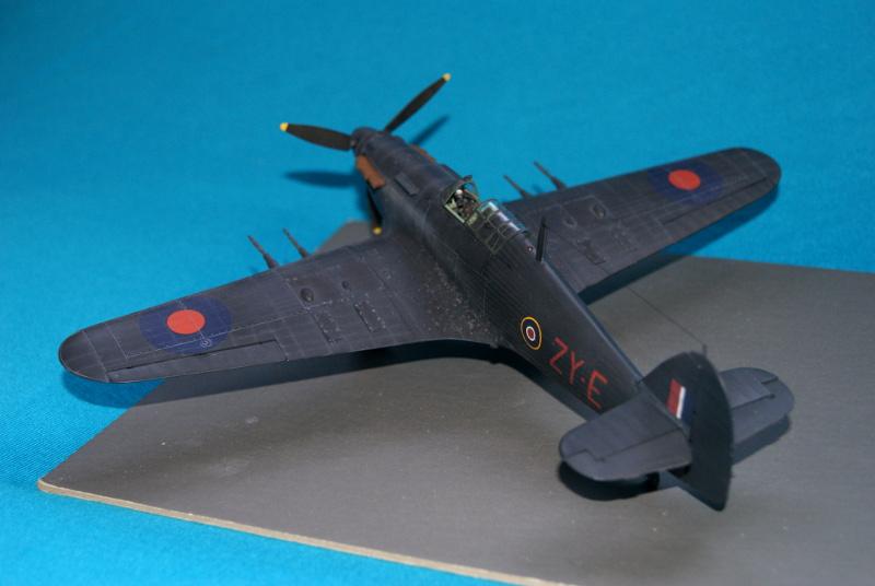 Hawker Hurricane IIC italeri 1/48 - Page 3 751082hurricane43