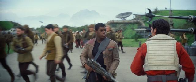 [Lucasfilm] Star Wars : Le Réveil de la Force (2015) - Page 4 755441w37
