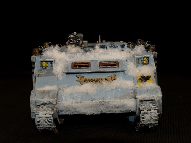 Space Wolves - Typhon... un peu particulier  757128Rhino12
