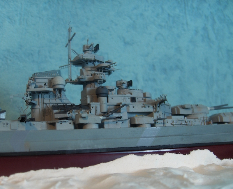 Bismarck 1/700 [Trumpeter] - Page 4 764773HPIM2170