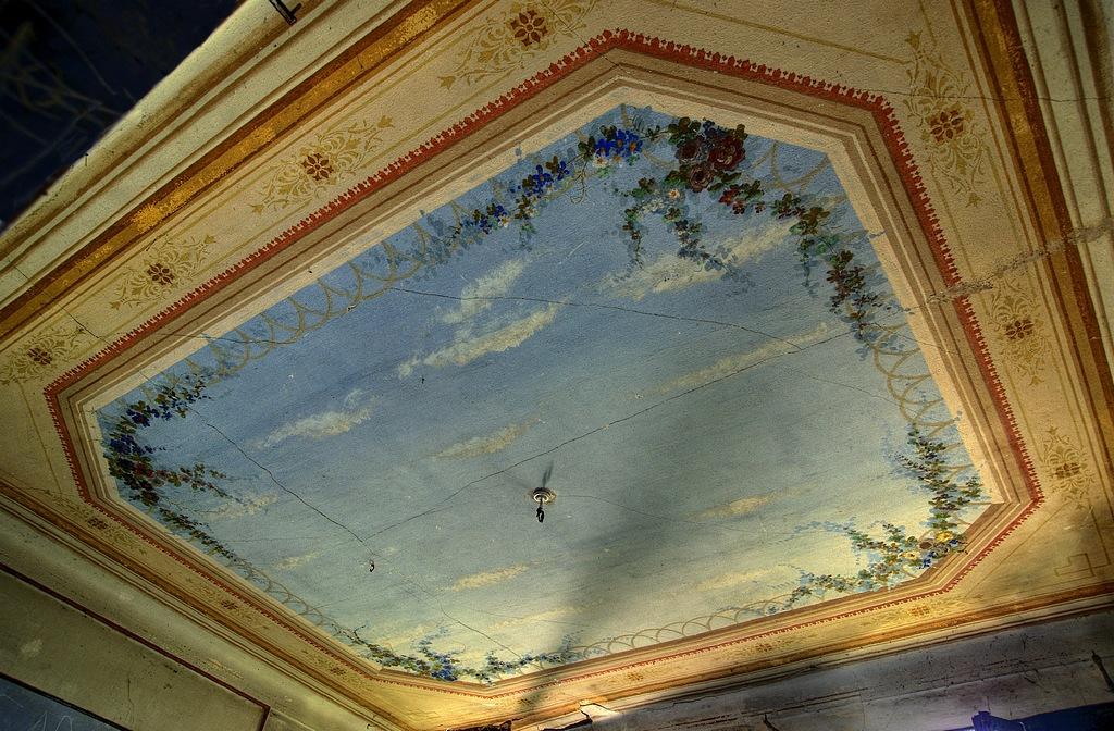 Le Château de la Belle au Bois Dormant 765502IMGP061678op