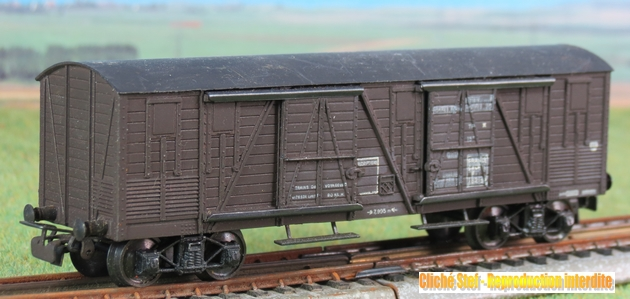 Wagons à bogies série plastique (citerne, tombereaux, couverts)  766703VBcouvertbogiesplastiqueSNCFIMG3453