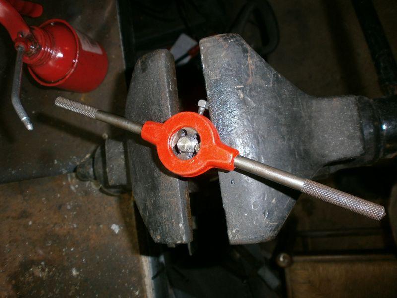 """Fabrication d'un """"bouchon"""" pour mon bac à copeaux pour récupérer le fuide de coupe 767364PB100032"""