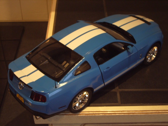 Ford Mustang SHELBY GT 500  2010 de chez revell au 1/12 - Page 2 769585m184