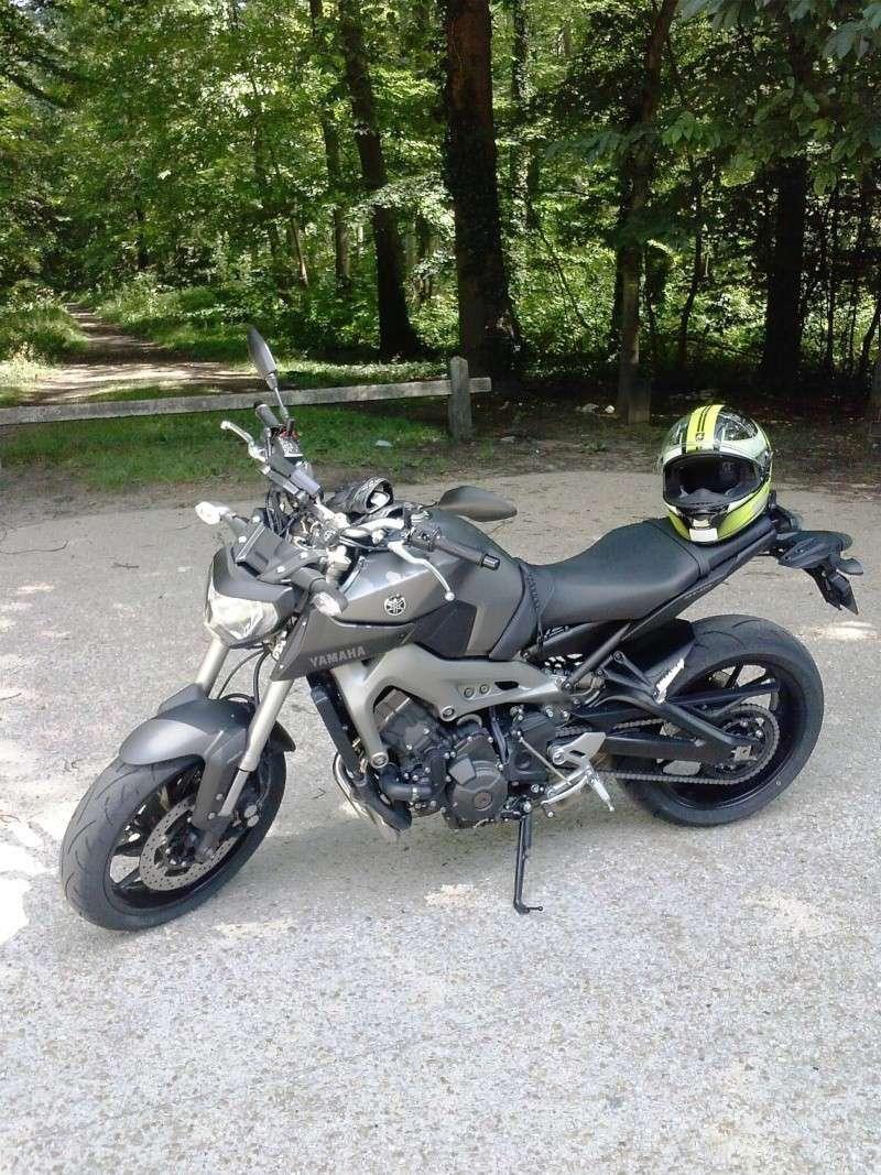 Photos de toutes les Yamaha MT-09 du forum ! :) - Page 25 775607YBozerman