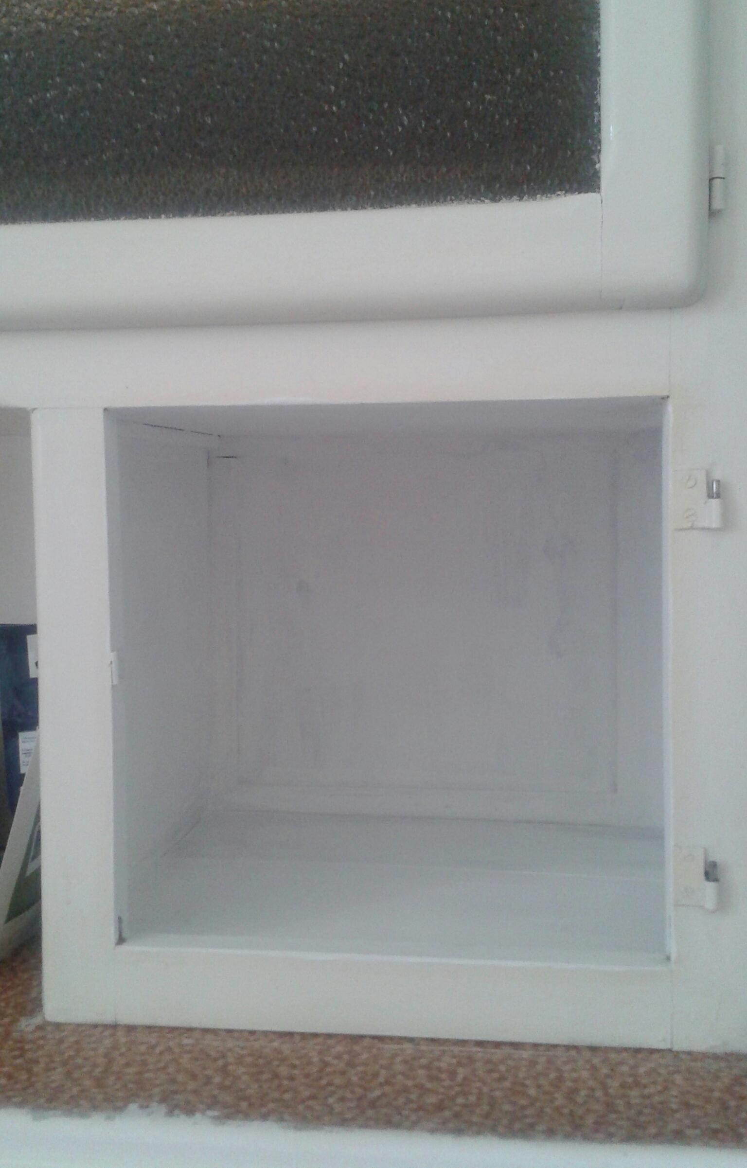 Je restaure un meuble. 780176201507311721381