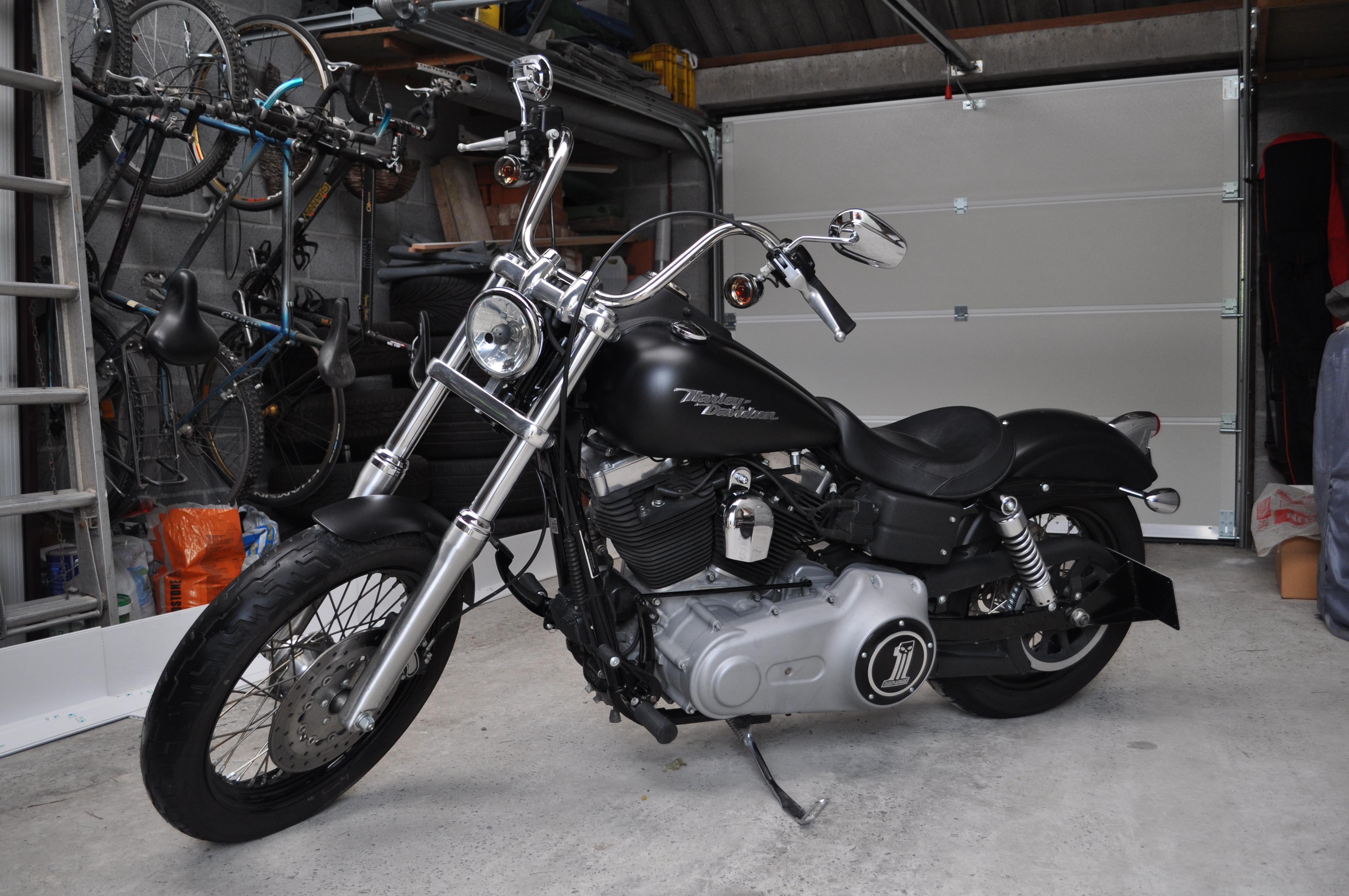 DYNA STREET BOB combien sommes nous sur Passion-Harley - Page 5 780437DSC0632