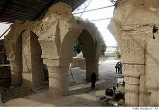 Dans le nord de l'Afghanistan, les mystères de la mosquée des Neuf Dômes 7873721024x1024