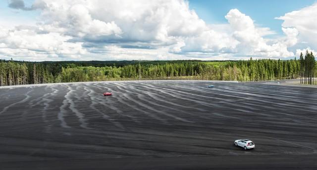 Bientôt un futur sans accident pour Volvo Cars grâce à l'ouverture du centre d'essais AstaZero 789373AstaZeroHighspeedArea