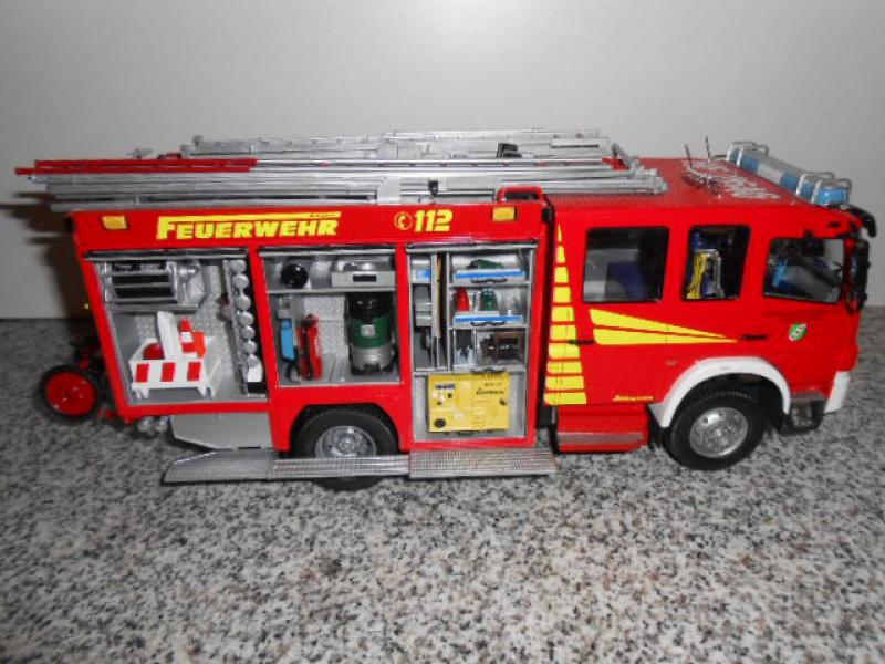 Camion de pompiers atelier de revell au 1/24° 789994pompier015
