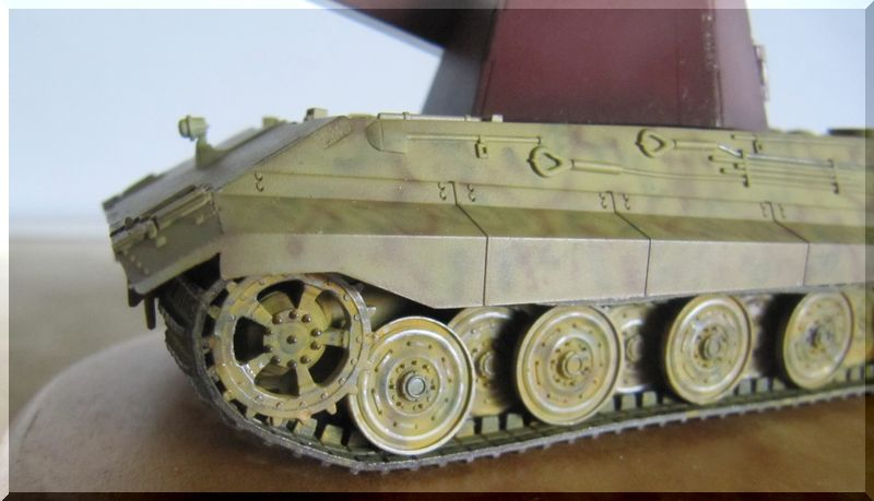 E-75 version Flakpanzer 55mm - Modelcollect - 1/72 - Page 2 7905671424