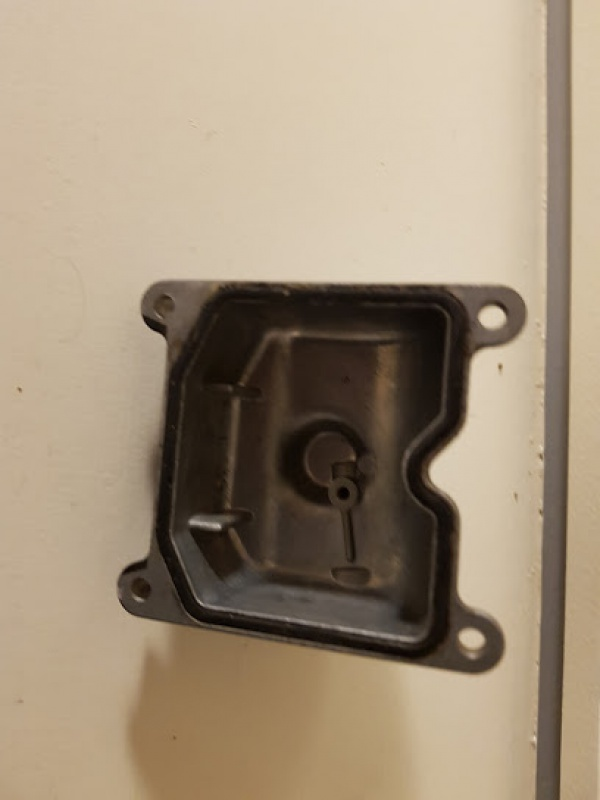 Une GPZ900R sauce SBK des eigties !  - Page 3 791726carb3