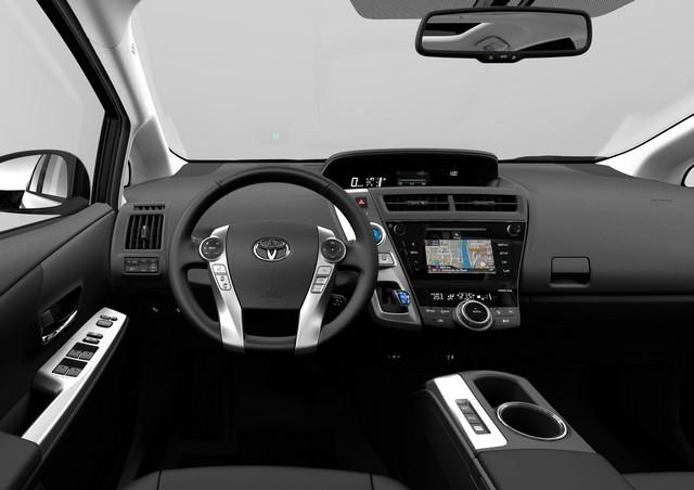 """Nouvelle Prius+ 2015 seul modèle """"full hybrid"""" à sept places en Europe 793695NouvellePrius7"""