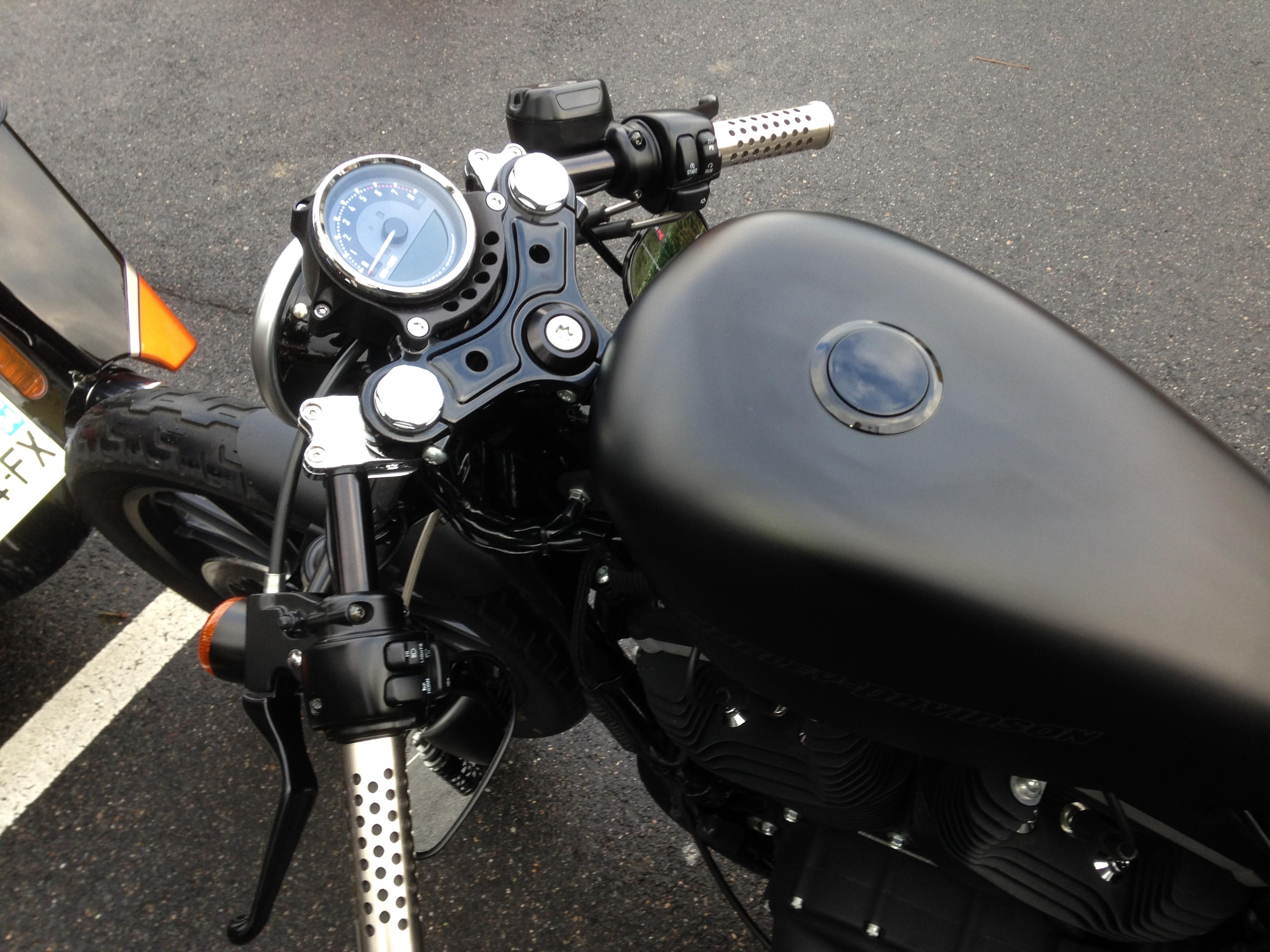 Mon 883 Iron Café Racer 794879IMG0640