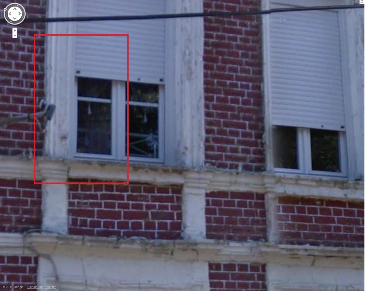Une étrange silhouette à une fenêtre chez un ami. - Page 2 7967780002