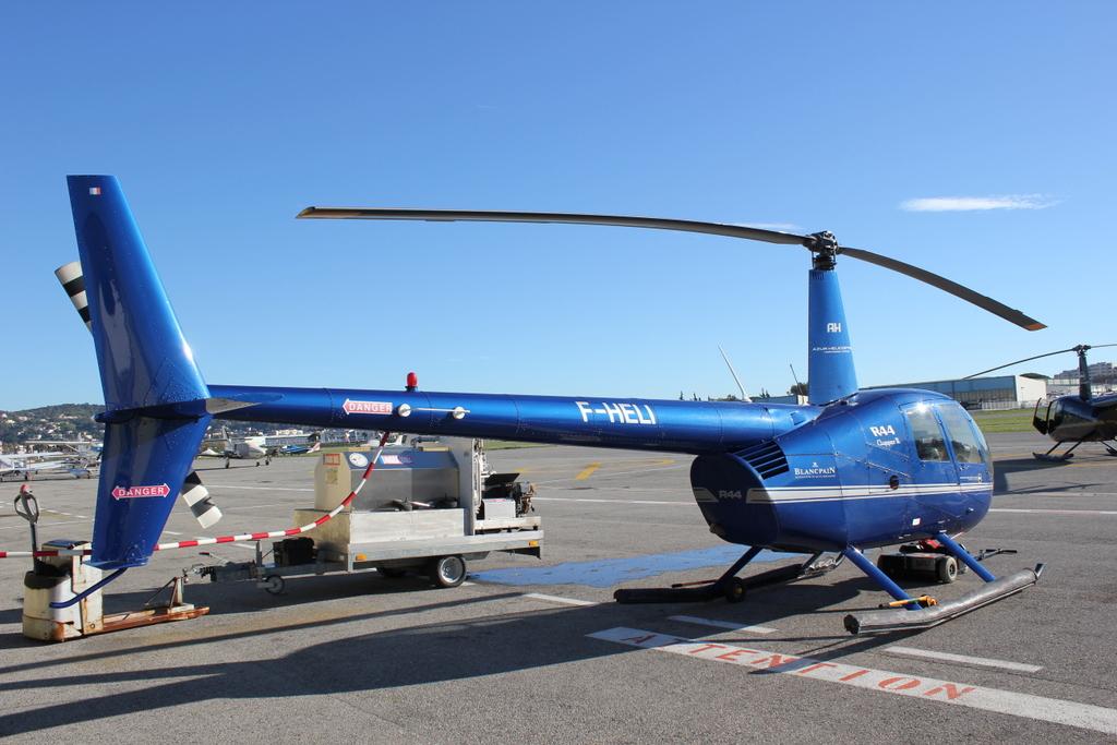 VOL en Robinson R44 autour de LFMD Cannes-Mandelieu 797531IMG7146