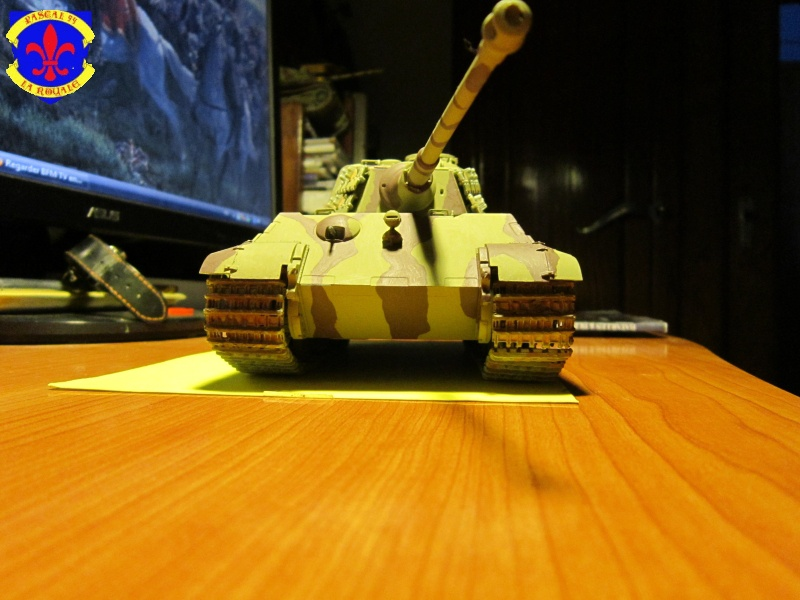 Sd.Kfz.182 King Tiger à tourelle Henschel de Dragon au 1/35e par pascal 94 797608IMG1174L