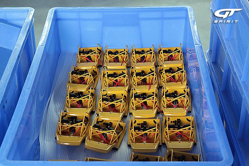 GT Spirit ( miniatures au 1/18 et au 1/12 éme ) 798153IMG2519