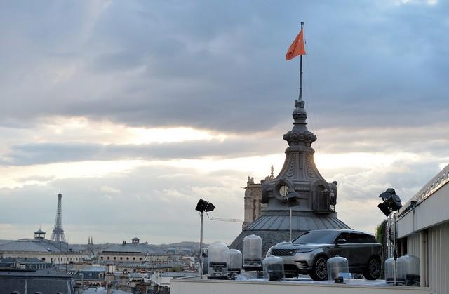 Le Range Rover Velar s'est dévoilé sur les toits de Paris 798419corpo0057