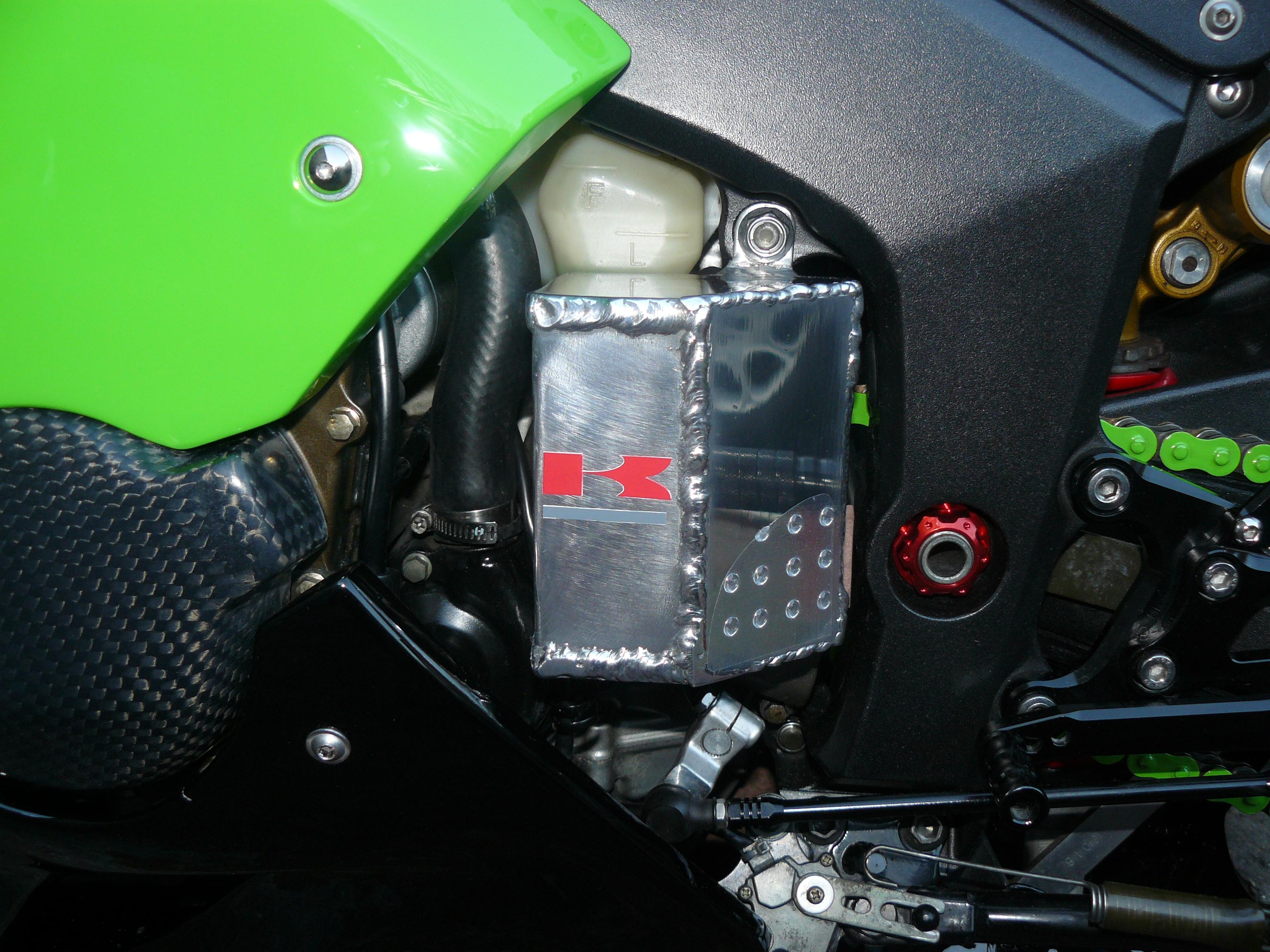Kawasaki ZX6R - Page 2 800671hsoi